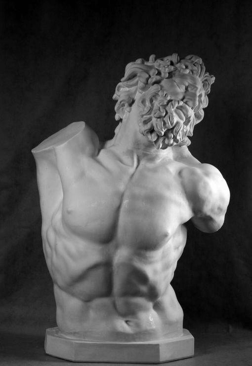 Гипсовых древнегреческих фигур